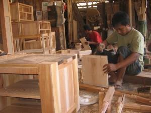Pengrajin Furniture Indonesia