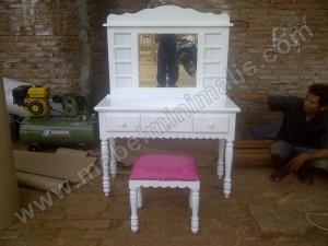 Meja Rias Cantik Duco Putih Pesanan Ibu Eri
